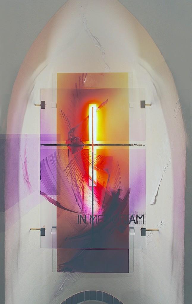 https://blog.atelier-muench.de/wp-content/uploads/2016/04/Ev_Kirche_Merzig_hinterleuchtetes_Glasobjekt_links.jpg